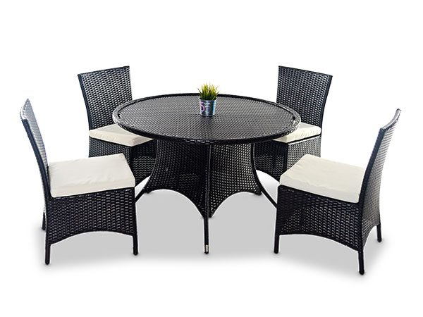 Round Tables And Java Chairs