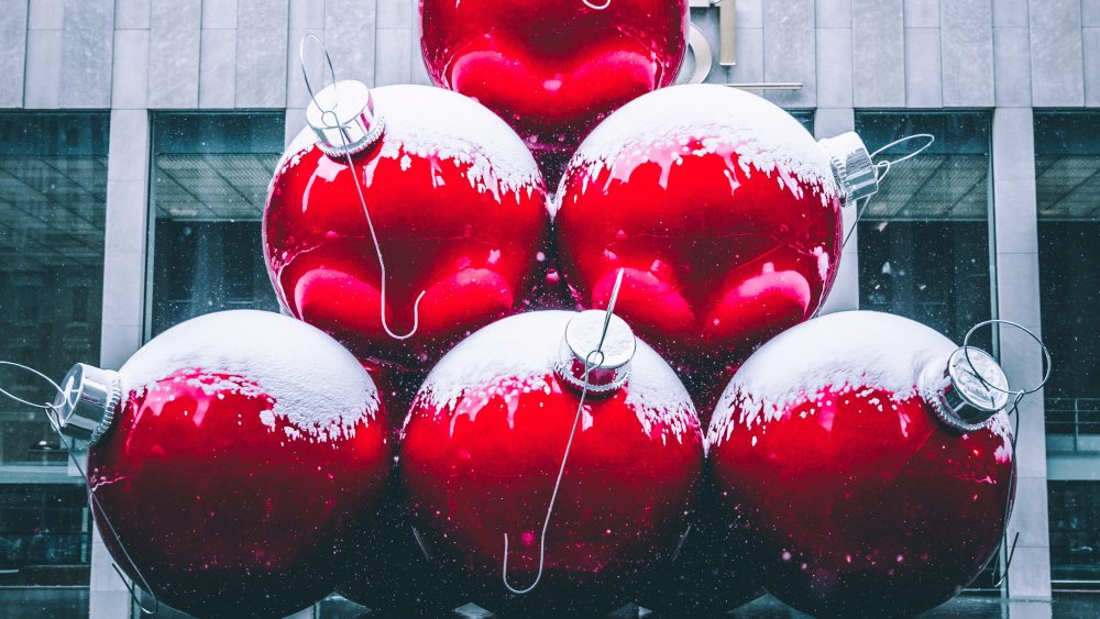 Giant-Christmas-Baubles