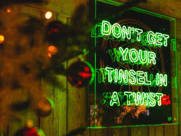 Dont Get Your Tinsel in a Twist Sign to hire